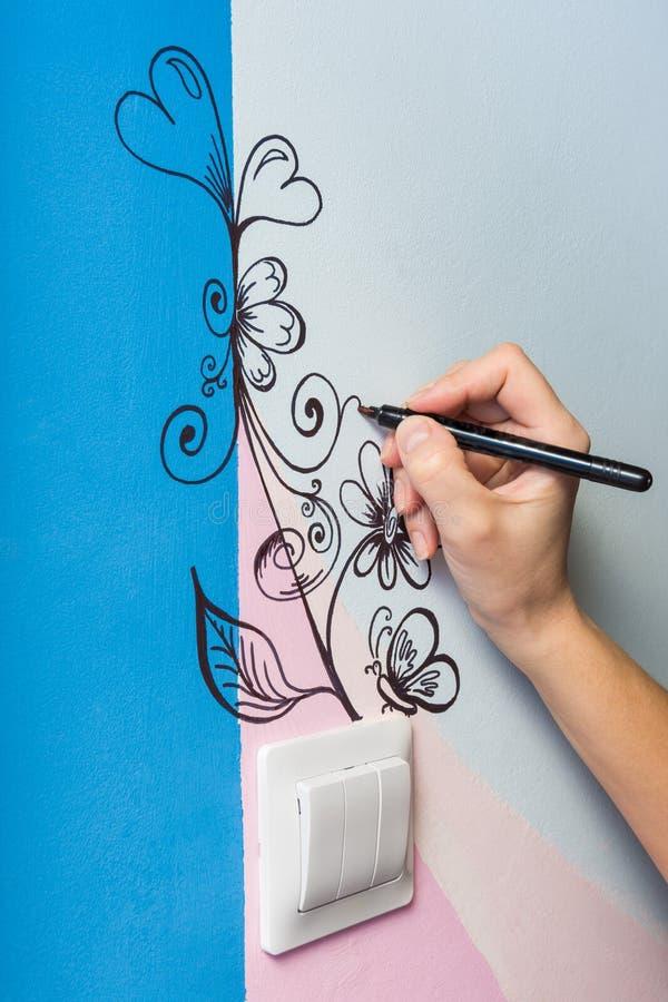 Pintura de parede do autor da arte fotos de stock royalty free