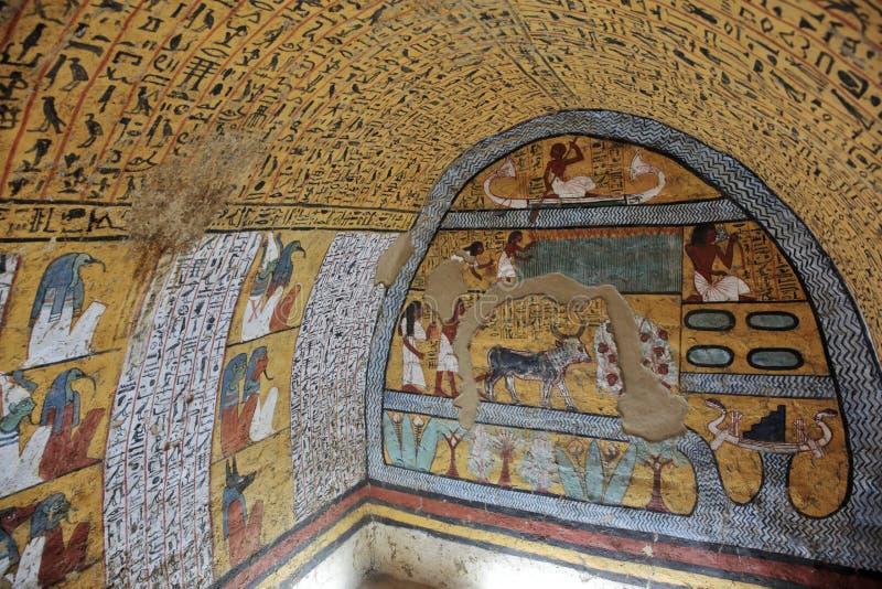 Pintura de parede e decoração do tombÑŽ Luxor, Egito foto de stock
