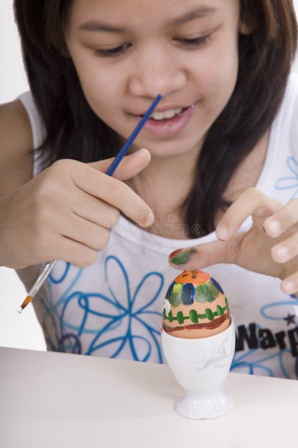 Pintura del huevo de Pascua imagen de archivo libre de regalías