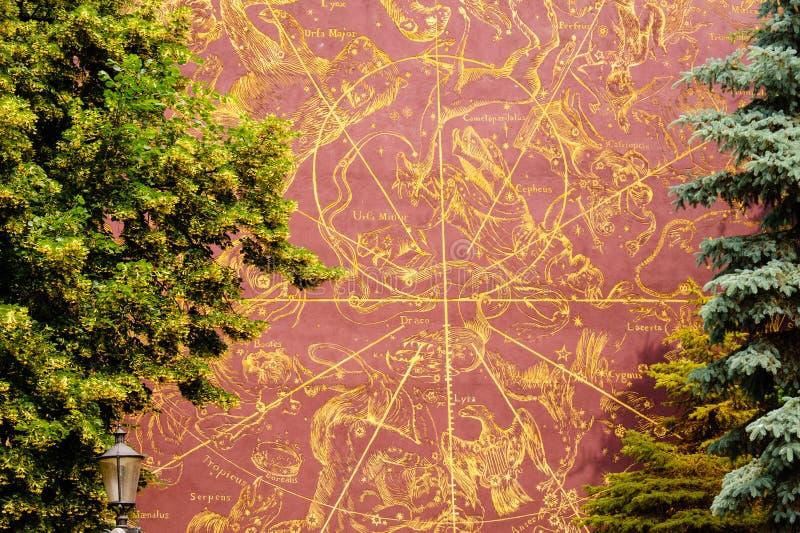 Pintura del mapa de las constelaciones de Gdansk foto de archivo