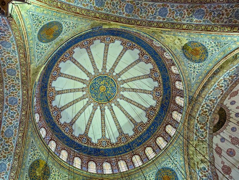 Pintura do teto de Sultan Ahmed Mosque Turquia foto de stock