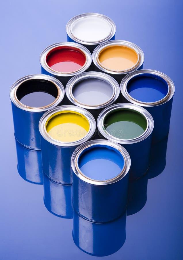 Pintura e latas imagens de stock