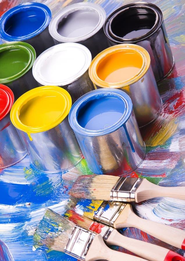 Pintura e latas fotografia de stock