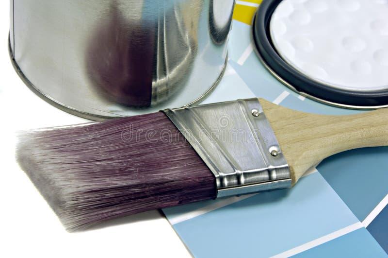 Pintura, escova e amostras da cor foto de stock royalty free
