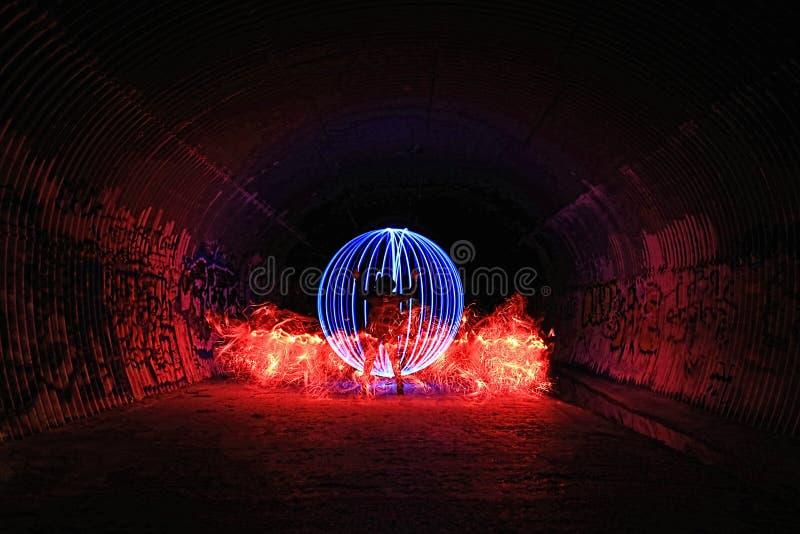 Pintura ligera con color y la iluminación del tubo imagenes de archivo