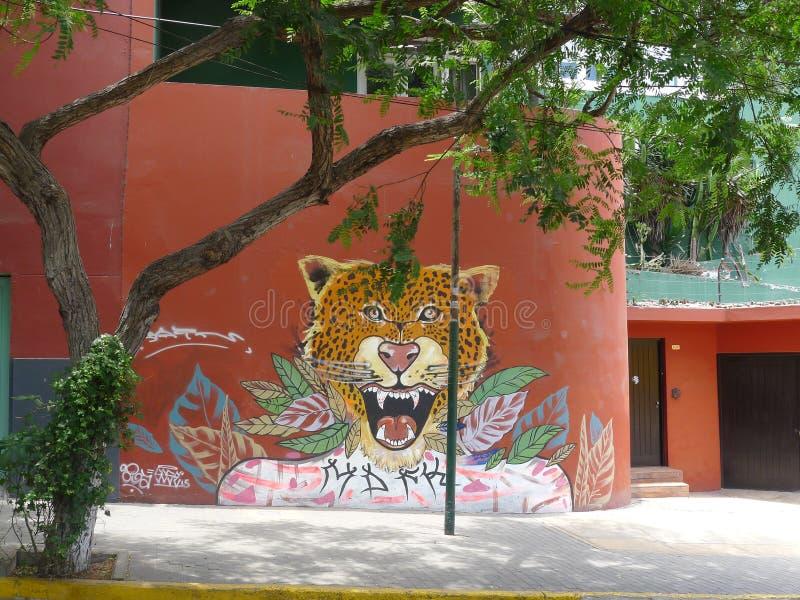 Pintura moderna em uma parede em Barranco, Lima fotos de stock