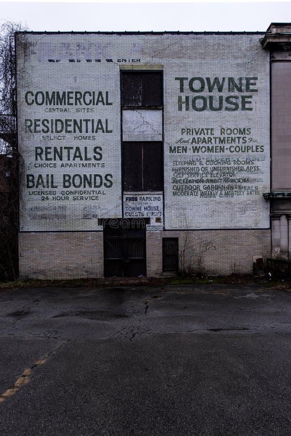 Pintura mural abandonada - Brownsville, Pensilvânia fotos de stock royalty free