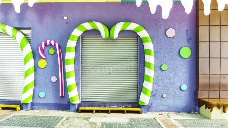 Pintura y decoración del arte de la pared imagenes de archivo