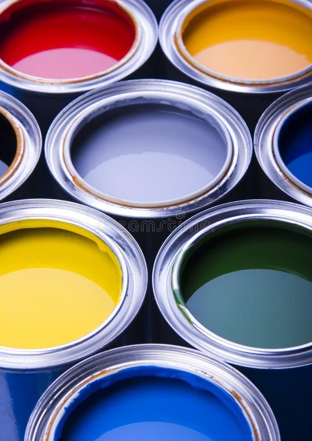 Pintura y latas imágenes de archivo libres de regalías