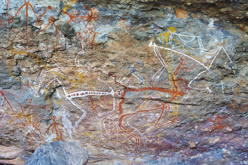 Pinturas aborígenes de la roca imágenes de archivo libres de regalías