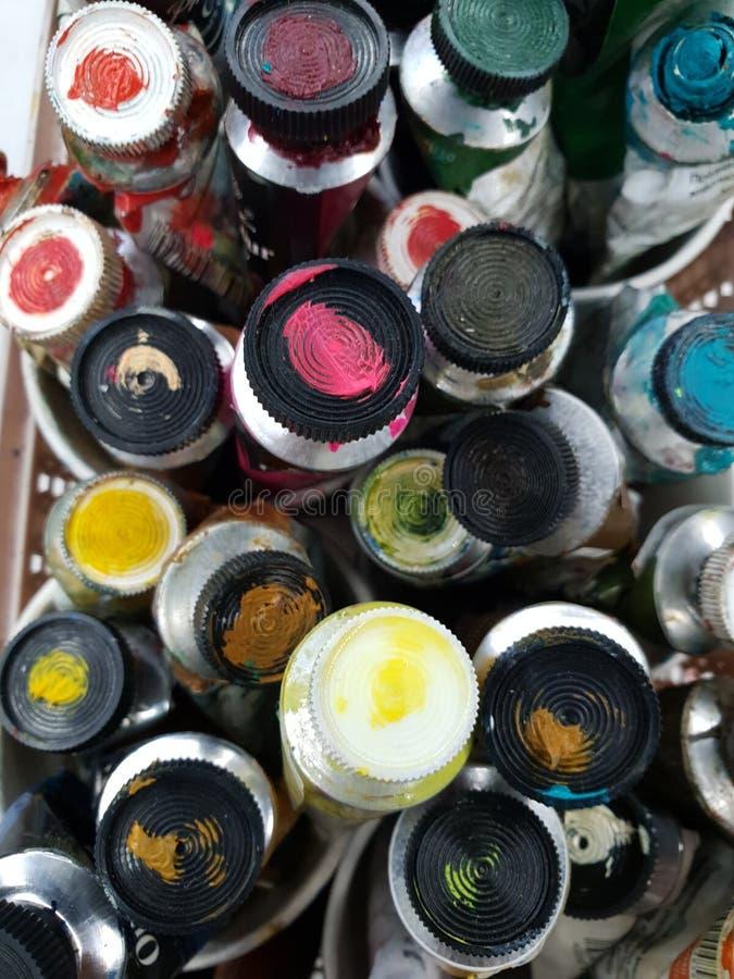Pinturas de aceite en tubos imagen de archivo