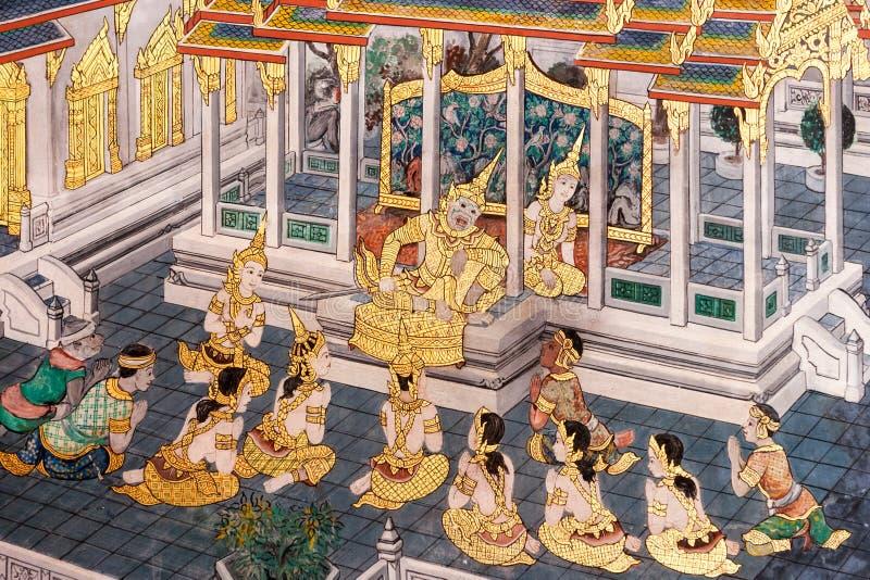 Pinturas de parede que descrevem o mito de Ramakien em Wat Phra Kaew Palace, igualmente conhecido como Emerald Buddha Temple Bang fotografia de stock royalty free