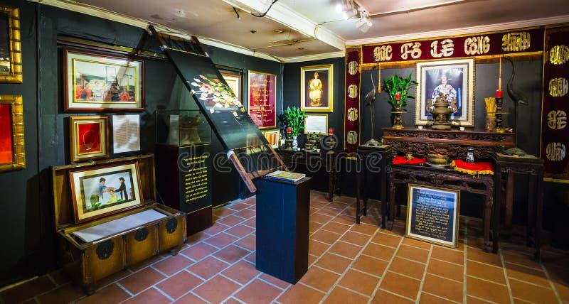 Pinturas en el museo de la seda en Nha Trang fotos de archivo libres de regalías