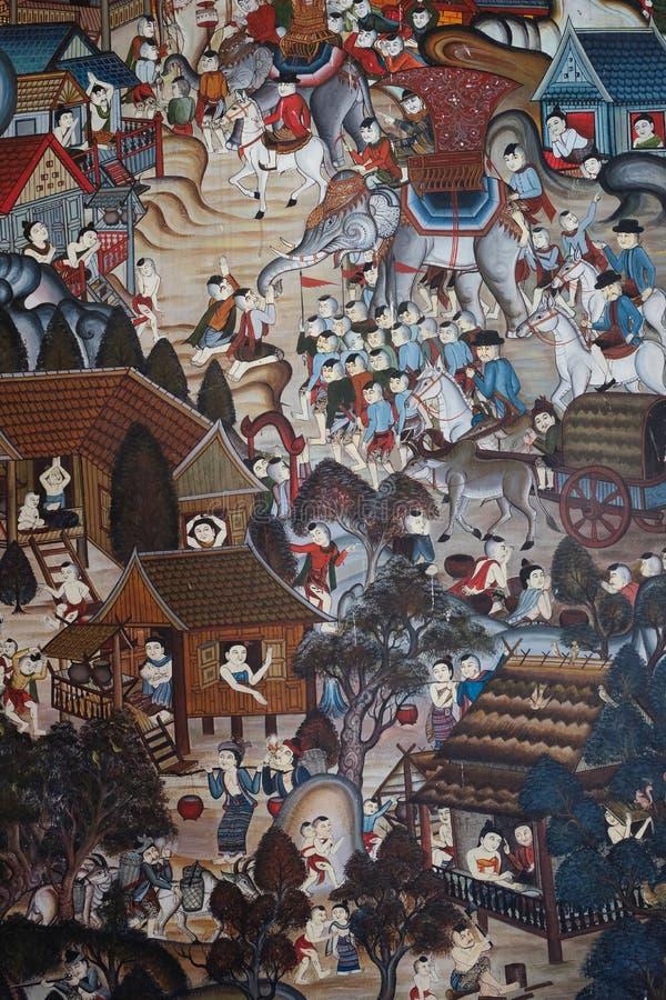 Pinturas murais com características tailandesas antigas em uma igreja em um templo em Tailândia do norte imagem de stock royalty free