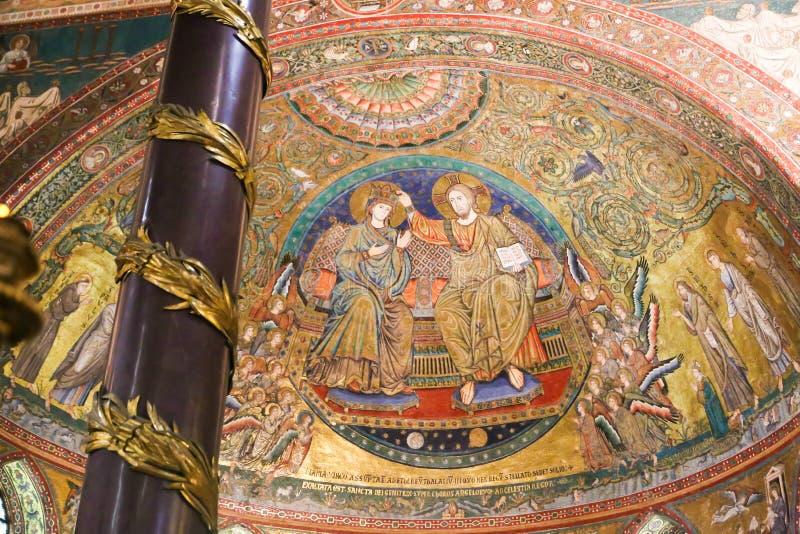 Pinturas murais de St Peter Basilica, Vaticano imagem de stock