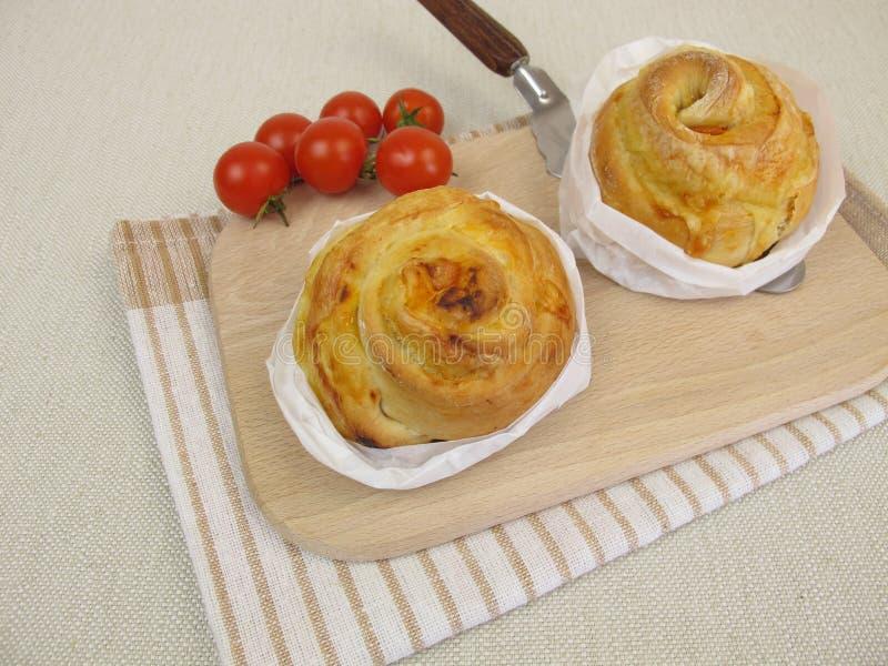 Pinwheel пиццы с томатами и сыром стоковое изображение