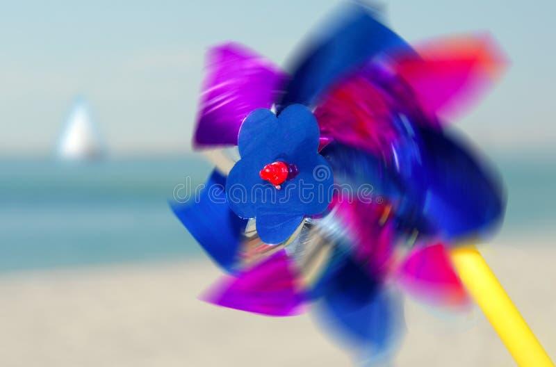 Pinwheel en la playa fotos de archivo