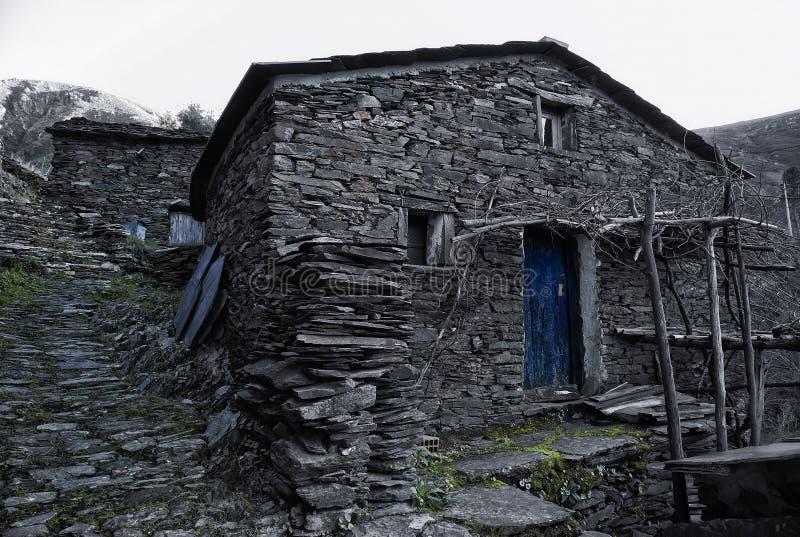 Piodao är en mycket gammal liten bergby, i Arganil, Portugal arkivbilder