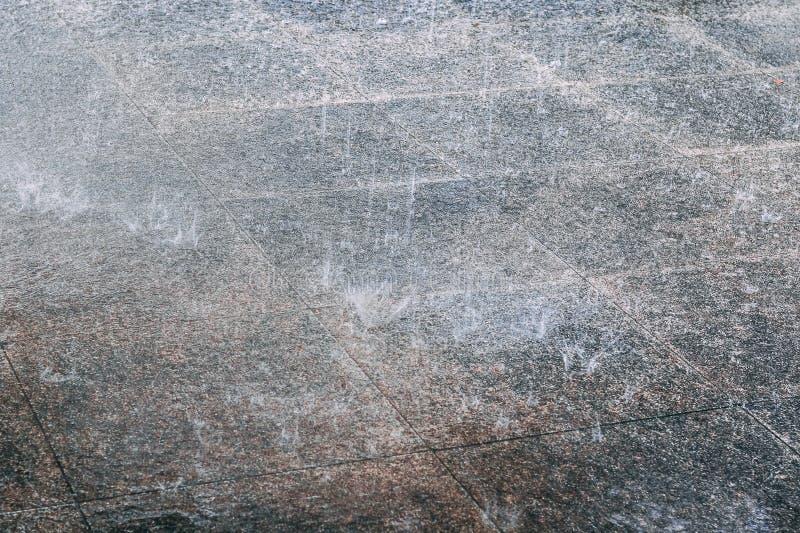 Pioggia che cade sul calcestruzzo fotografie stock libere da diritti