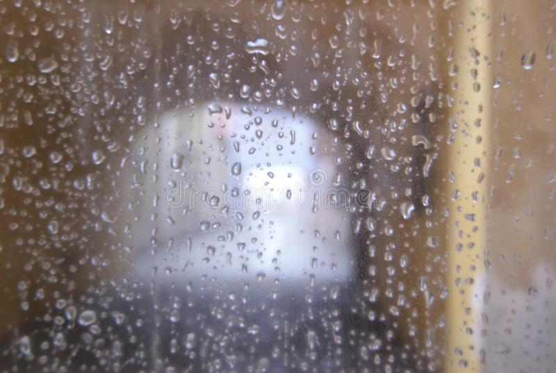 pioggia nella finestra immagini stock libere da diritti