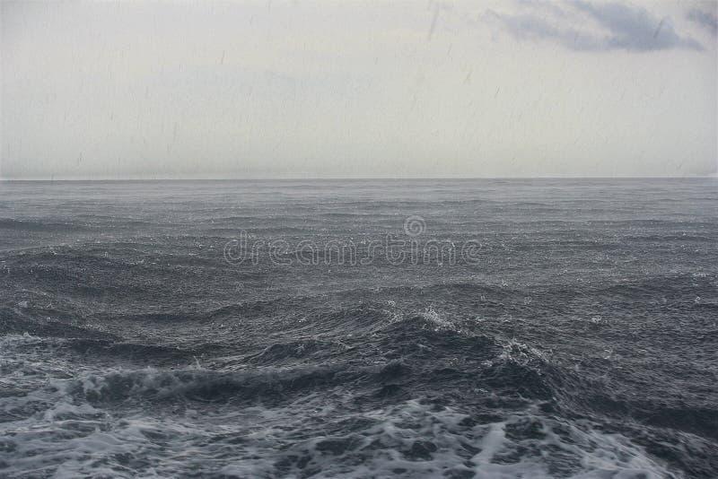 Pioggia sul mare immagini stock libere da diritti