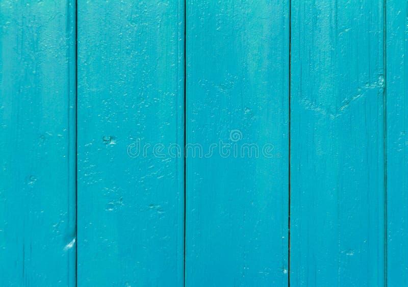 Pionowo drewniany tło, stara drewniana ściana malował w błękitnym kolorze obrazy royalty free