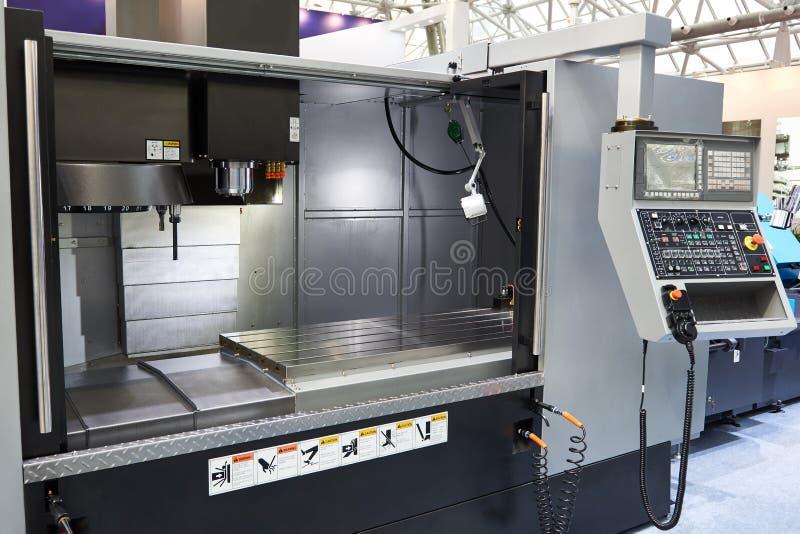 Pionowo mielenia machining centrum zdjęcie royalty free