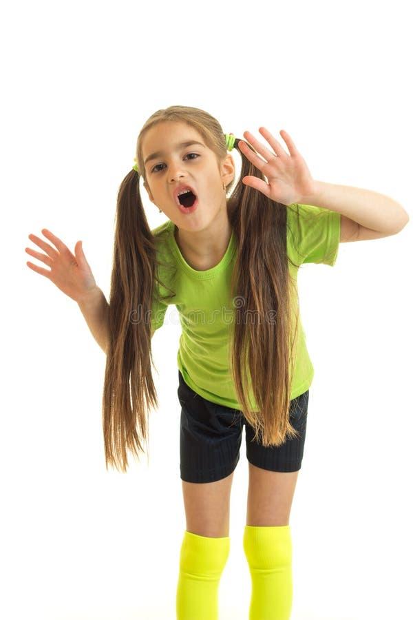 Pionowo portret dziewczyna z ogonami ten Hamming dla kamery obrazy royalty free