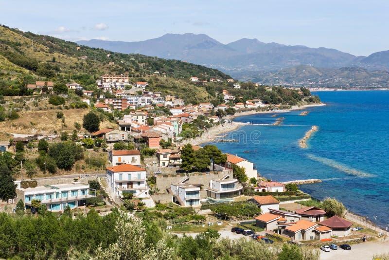 Pioppi frazione di Pollica a Salerno. Veduta del mare di Pioppi a Salerno. In fondo il monte Gelbison royalty free stock photos