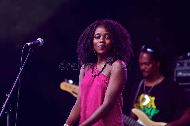 piosenkarz kobieta zdjęcie stock