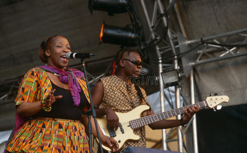 Piosenkarza spełnianie przy koncertem w Południowa Afryka zdjęcia royalty free