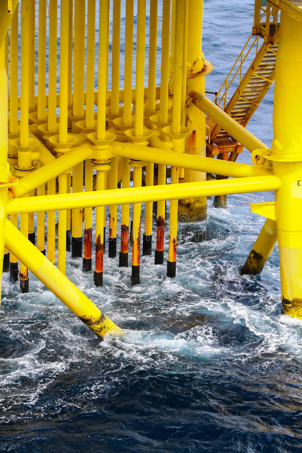 Download Pipelines In Oil And Gas Platform Stock Image - Image: 33563981