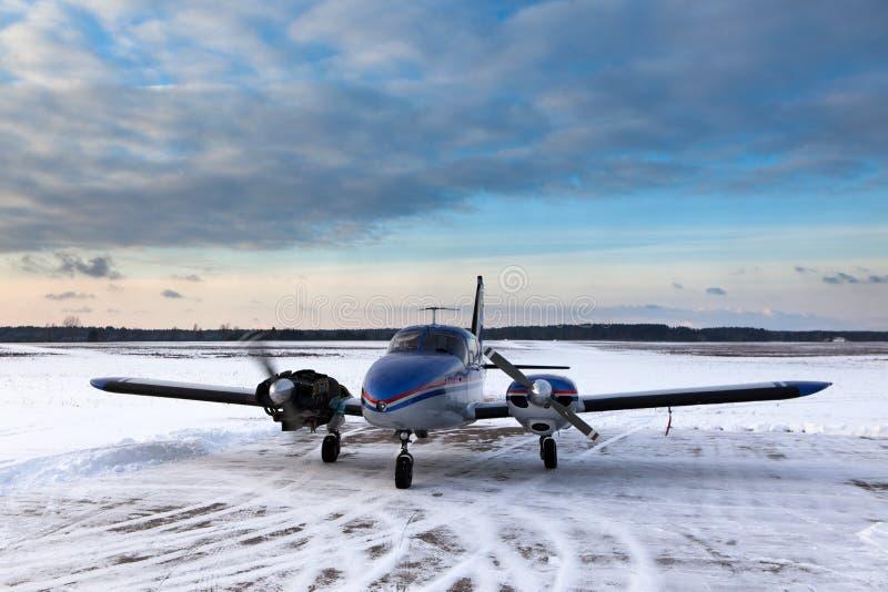 Download Piper aeroplane stock photo. Image of aeroplane, malfunction - 27507002
