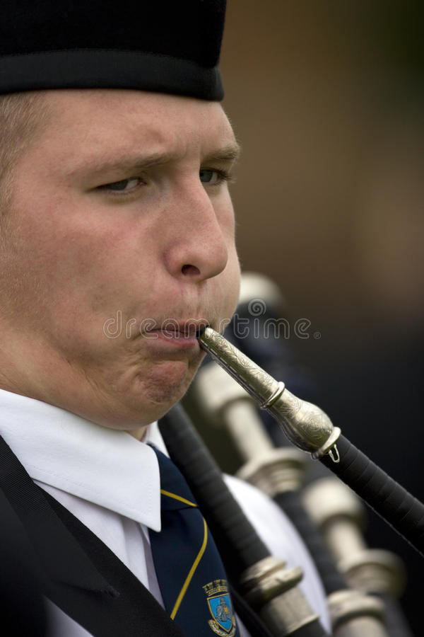 Download Piper At The Cowal Gathering In Scotland Editorial Photo - Image of gathering, march: 15577226