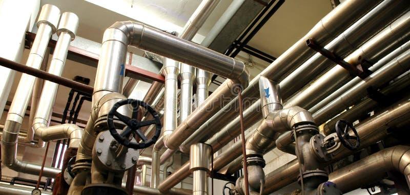 Pipes d'industrie et systèmes d'industrie photos stock