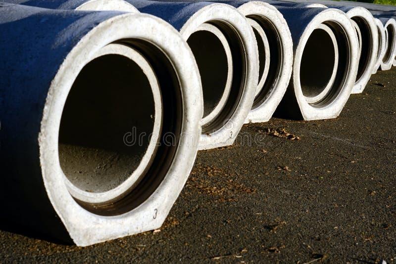 pipes kloak fotografering för bildbyråer