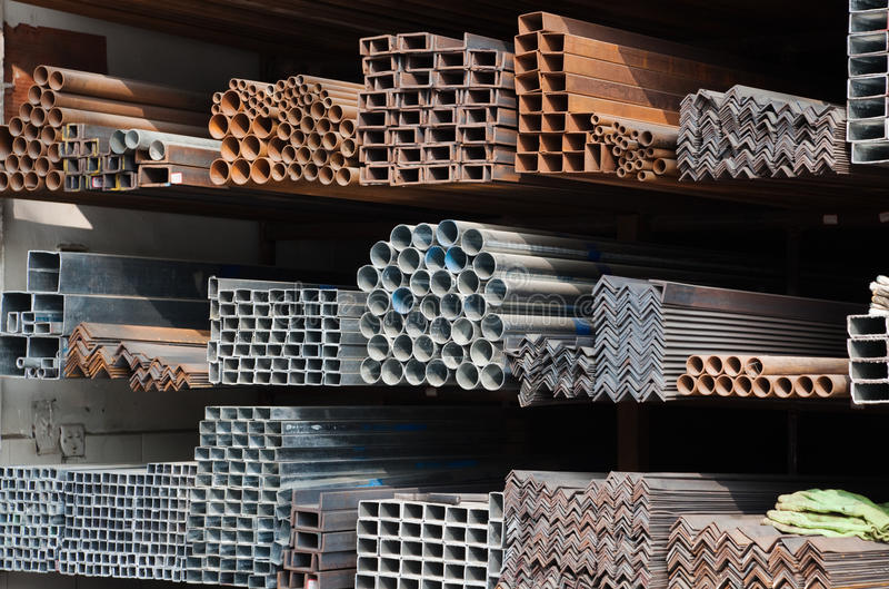 Pipes métalliques image stock