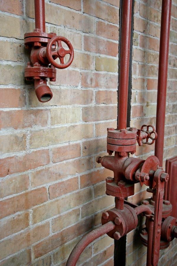 pipes röd vertikal sikt arkivfoton