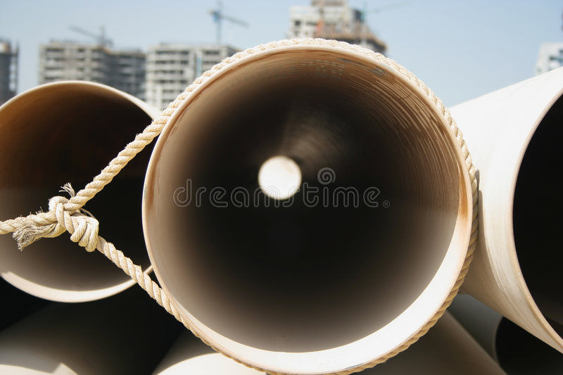 Pipes sur un chantier de construction image stock