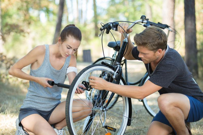 Piqûre sur le vélo photos stock