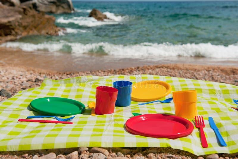 Piquenique na praia foto de stock royalty free