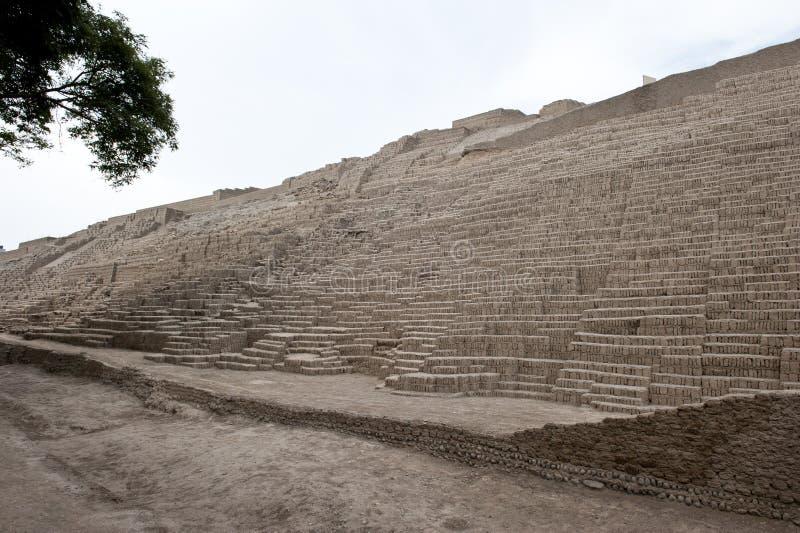 Pirámide de Huaca Pucllana foto de archivo