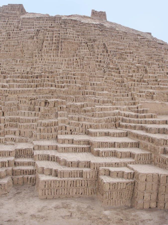 Pirámide de Huaca Pucllana en Lima Perú imágenes de archivo libres de regalías