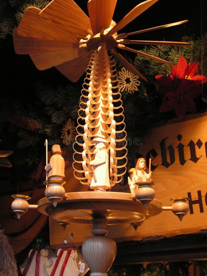 Pirámide de la Navidad fotografía de archivo libre de regalías
