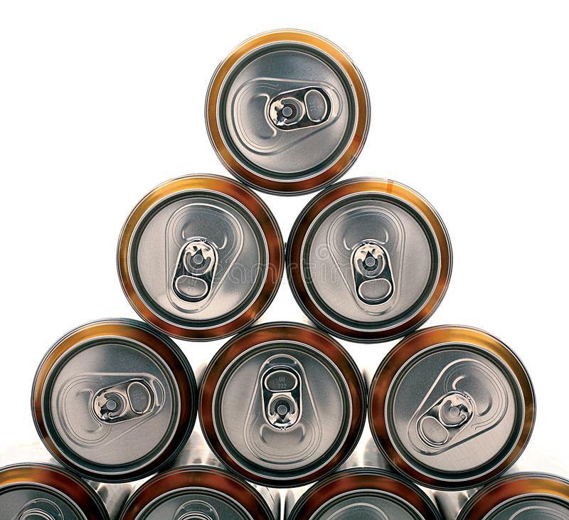 Pirámide de latas de cerveza imagen de archivo libre de regalías
