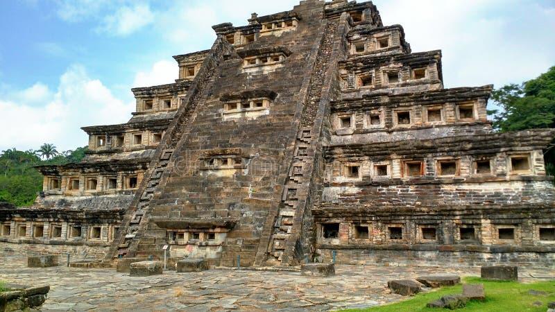 pirámide de los lugares imagen de archivo libre de regalías