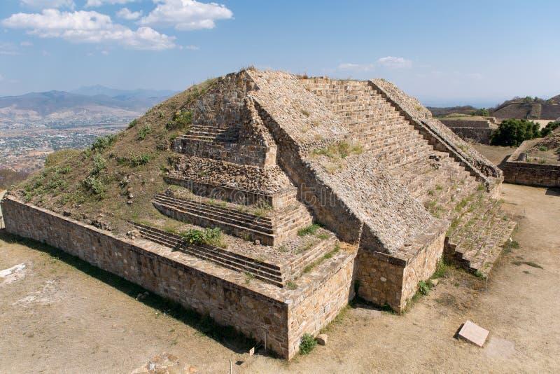 Pirámide de Mixtec imagenes de archivo