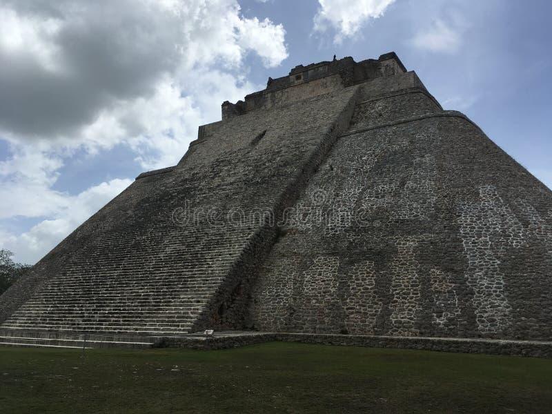 Pirámide del mago Uxmal, Yucatán, México fotos de archivo libres de regalías