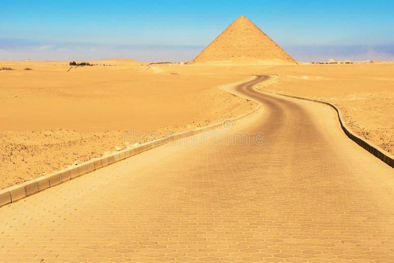 Pirámide roja en Dahshur, Egipto foto de archivo
