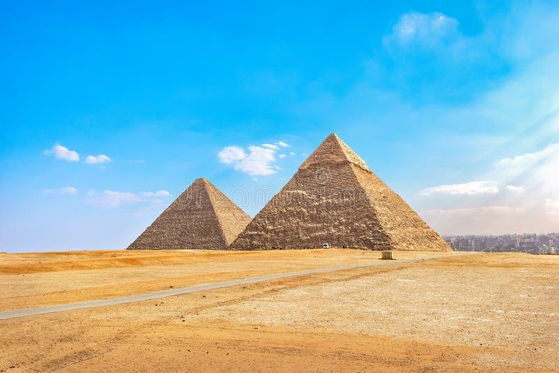 Pirámides de Khafre y de Cheops fotos de archivo libres de regalías